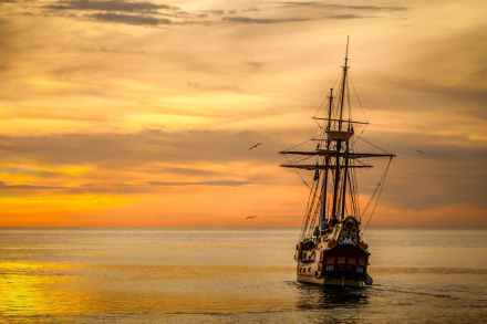 sunset-boat-sea-ship-37730.jpeg